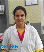 Dr. Monika Saini dentist